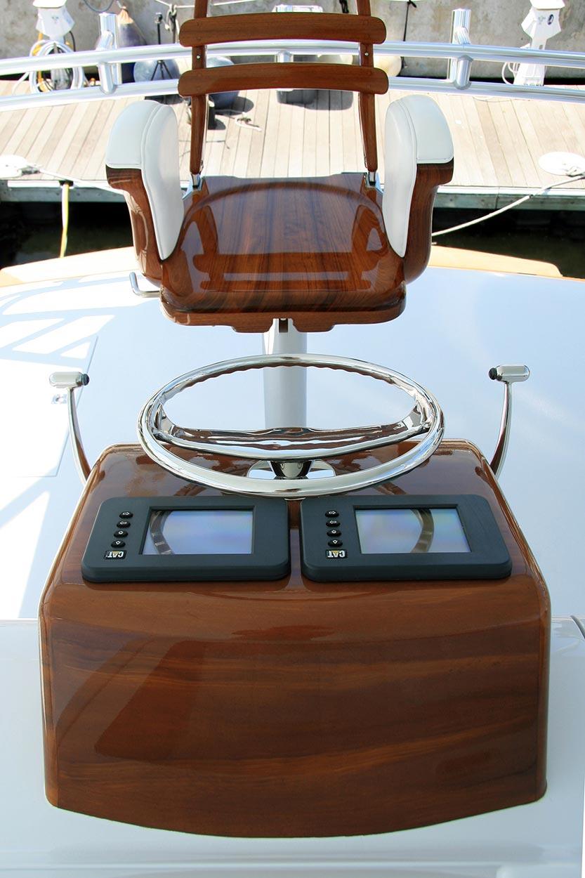 Billfisher Palm Beach Florida Faux Teak straight view pod helm wood