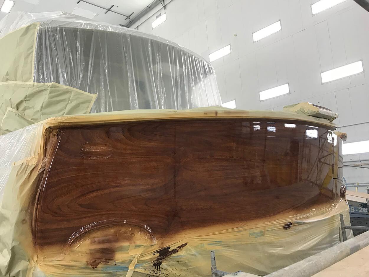 Hatteras Yachts GT65 Faux Teak transom clearcoated grain detail