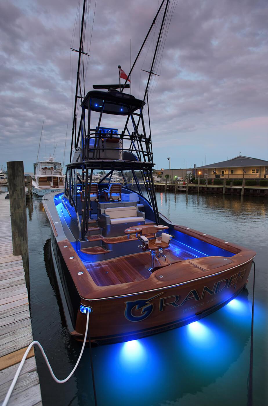 Grander White Bay Boat Transom vessel name design