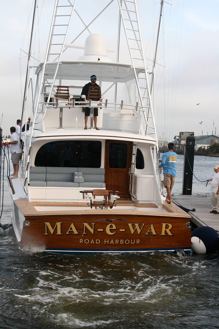 Man e War Road Harbour BVI Boat Transom vessel sportfishing backing up name gold leaf lettering