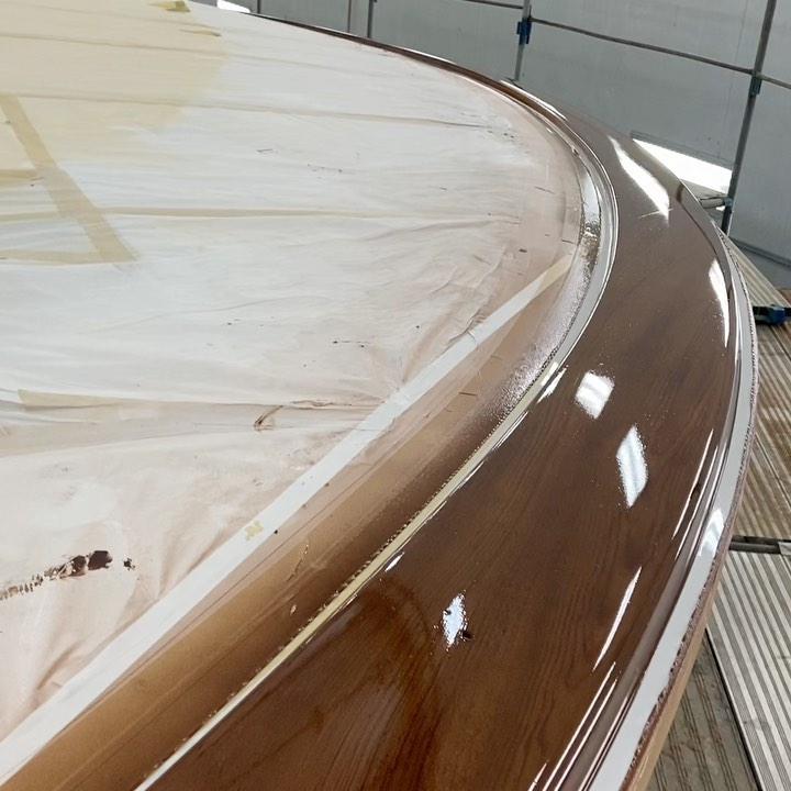 Faux teak toe rail and cabin molding for War Bird, Hatteras Yachts' GT65 hull #405. As always, attention to grain, color and joinery is paramount on all of END's faux teak projects. All work completed at the Hatteras Yachts facility in New Bern, NC.